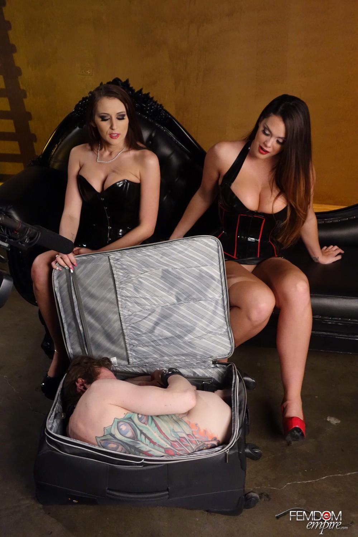 Раб и две госпожи 14 фотография